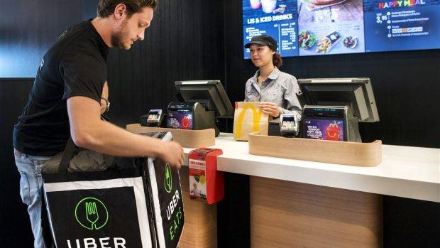 McDonald's gaat samen met Uber hamburgers in Amsterdam bezorgen