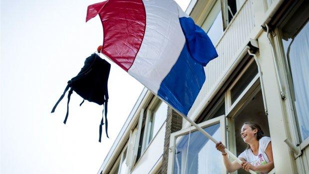 Examenstunt KLM: gratis tickets voor geslaagden