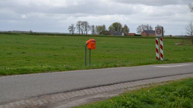 PostNL plaatst onder dwang brievenbus terug in Gronings gehucht