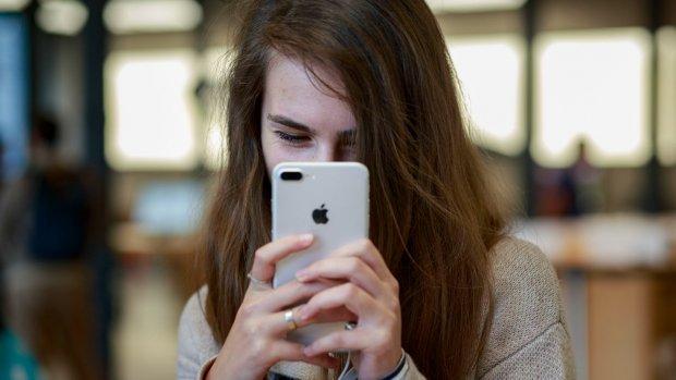 'Nieuwe iPhone wordt waterdicht en krijgt draadloos opladen'