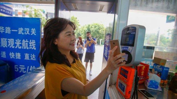 In stedelijk China betaalt bijna iedereen met een smartphone