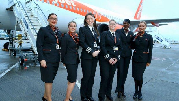 EasyJet zoekt 1200 nieuwe stewards en stewardessen