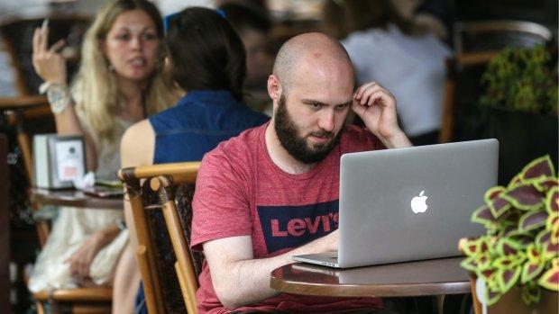 Mac-malware kon mensen jarenlang via de webcam bespieden