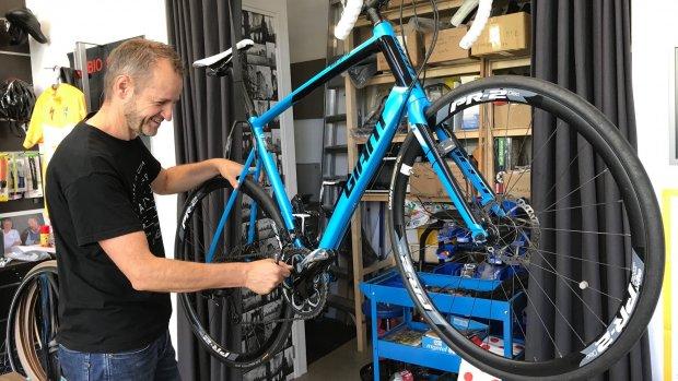 Het roer om: van salesconsultant tot fietsenmaker