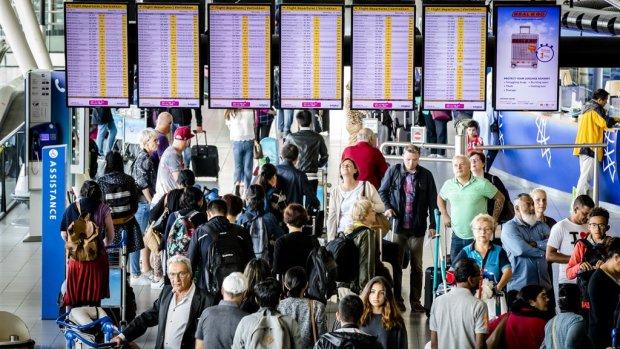 Topdrukte op Schiphol met recordaantal reizigers