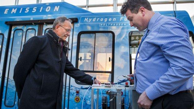 Qbuzz Groningen: waterstof tanken in Helmond 'is logisch'