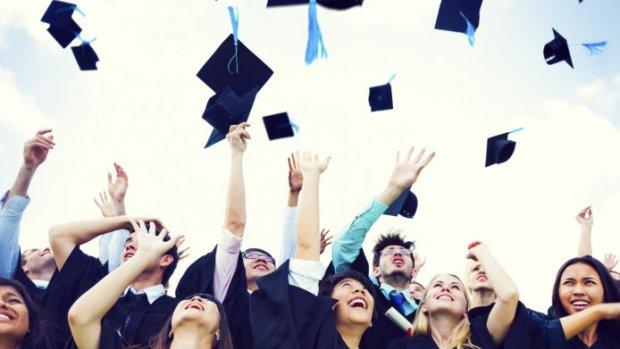 Studieschuld stijgt | Rode cijfers energiebedrijven