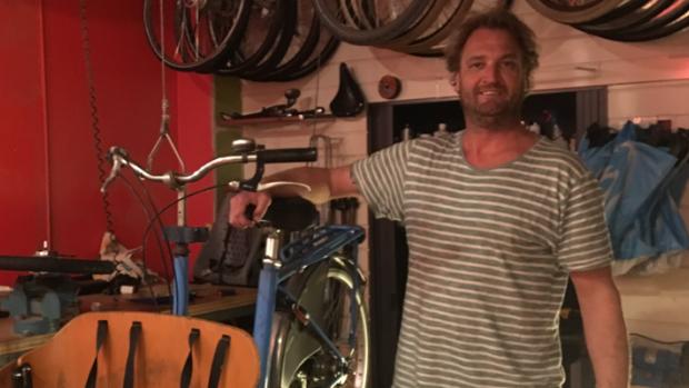 Sekswinkelier wordt fietsenmaker: 'Speeltjes verkopen niet meer'
