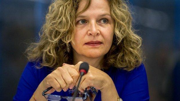 Zorgen bij minister Schippers over abortusklinieken