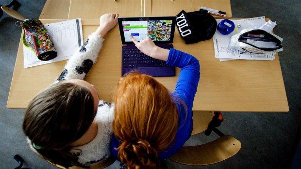 Tienduizenden scholieren dupe van technische problemen digitaal lesmateriaal