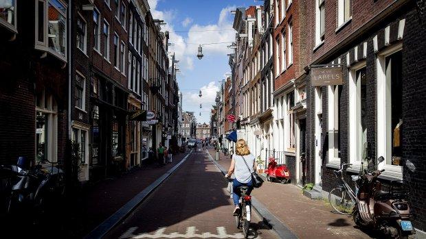 'Duizenden Amsterdamse huizen permanent verhuurd via Airbnb'