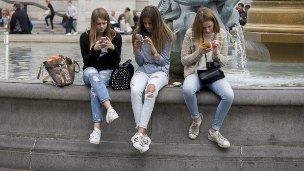 'Niemand is verslaafd aan Facebook alleen'