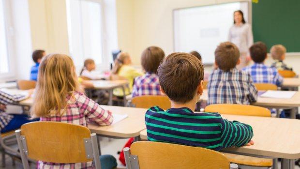 Amsterdamse ambtenaren ingezet tegen lerarentekort