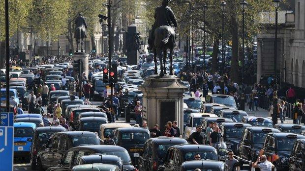 Uberbaas zegt sorry, maar vecht Londens verbod wel aan