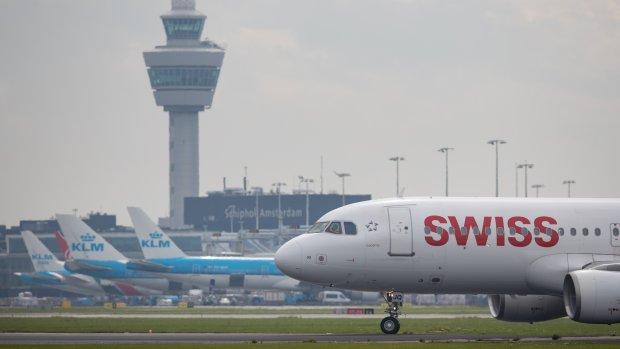 Lelystad breekpunt: advies over toekomst Schiphol vertraagd