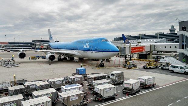 Schiphol en KLM mogen niet praten over beperking concurrenten
