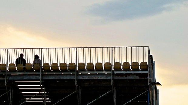 Trend: tribune voor kijkers bij bouwplek