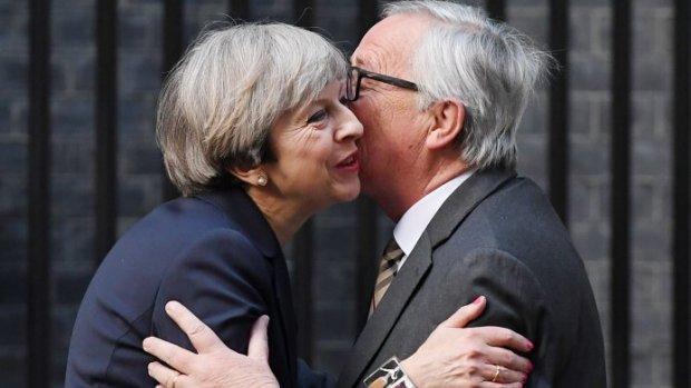 Premier May voor spoedoverleg naar Brussel