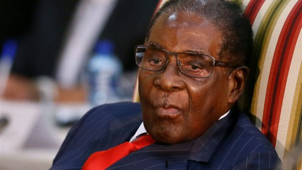 President Mugabe van Zimbabwe na 37 jaar afgezet door eigen partij