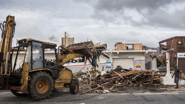 Groot deel hulpgeld Sint Maarten ongebruikt: 'Nog geen dak op het eiland hersteld'