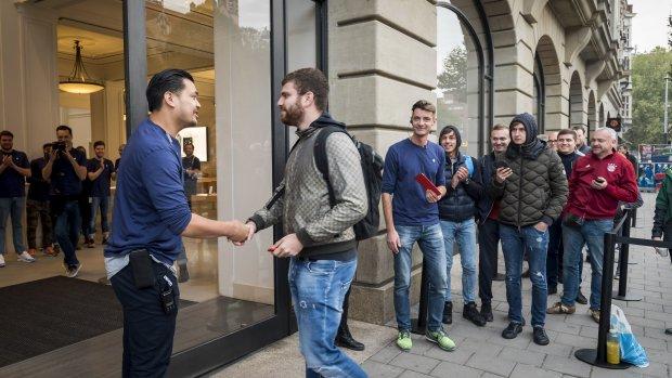 Geen rijen voor iPhone X in België en Frankrijk door terreur