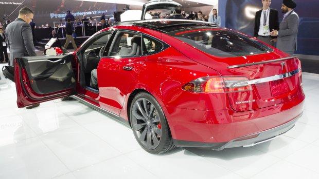 Tesla in de problemen: 'Wees heel voorzichtig'