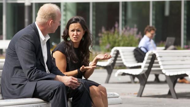 Na hun 36e gaan vrouwen een stuk minder verdienen dan mannen