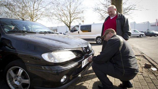 Gesjoemel bij import auto's, 'schatkist loopt miljoenen mis'