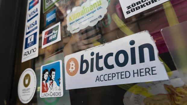 Bitcoin flirt met 10.000 dollar-grens
