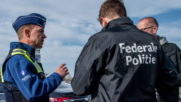 Parkslaper steekt agent neer in Brussel