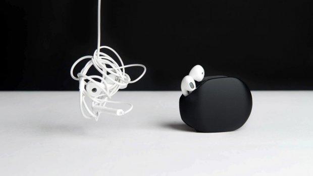 Nooit meer je oordopjes in de knoop met deze Kickstarter-gadget