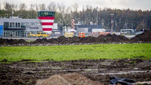 Minister verzint nieuw plan om Lelystad Airport op tijd te openen