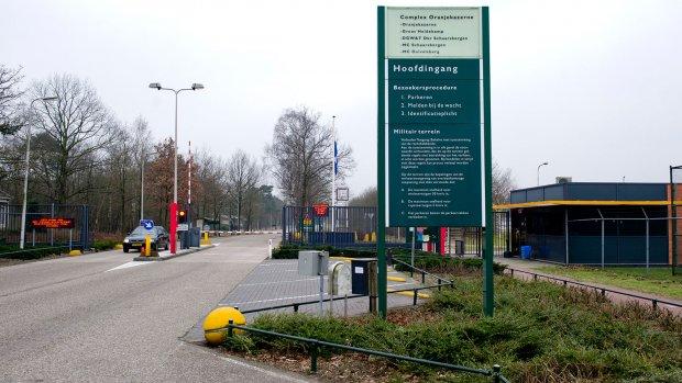 'Drugs, drank en prostituees in kazerne Schaarsbergen'