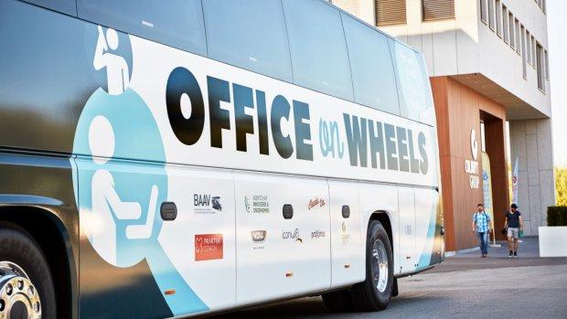 Kantoorbus maakt opmars in België: 'Dit scheelt zoveel tijd'