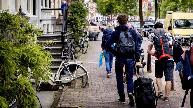 Buurgemeenten Amsterdam doen groot onderzoek naar effect Airbnb