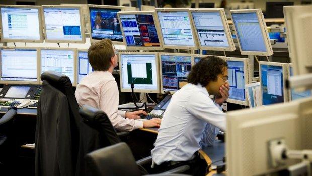 AEX daalt 1,5 procent; gaat richting laagste punt van de dag