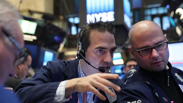 Wall Street sluit donkerrode week positief af