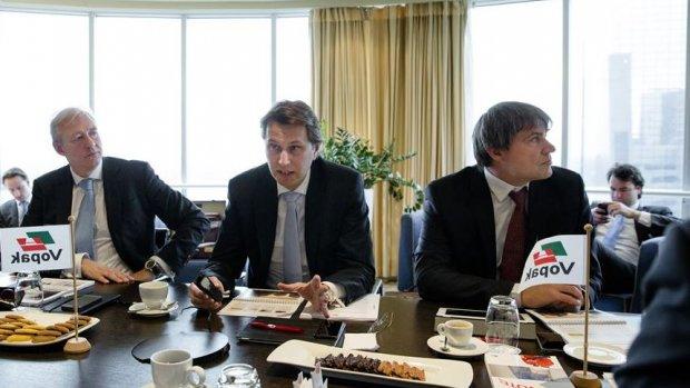 Vopak-topman verdiende afgelopen jaar twee derde minder