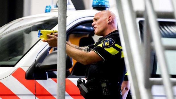 Politie wil 17.000 agenten uitrusten met taser