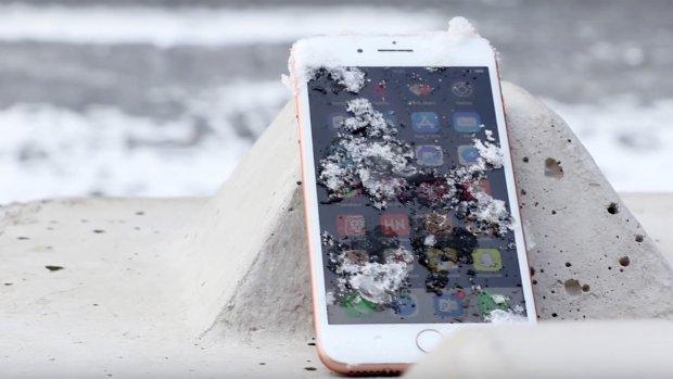 Tip: voorkom dat je telefoon uitvalt in de kou