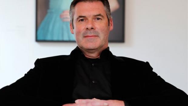 Buurtzorg sluisde miljoen naar privébedrijven oprichter De Blok
