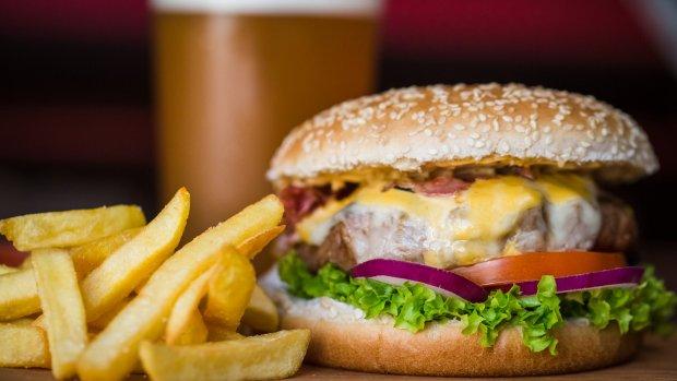 Alleen voor de echte burger kings: doe de fastfood quiz!