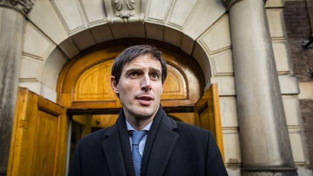 Minister Hoekstra zoekt naar aanpak salarisverhoging ING-topman