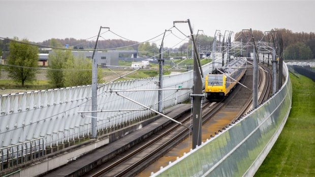 Snoeiharde kritiek op aanpak aanleg spoorbeveiligingssysteem