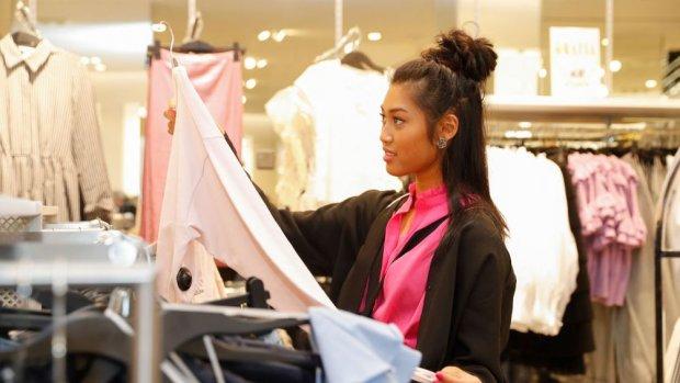H&M moet wintercollectie tegen dumpprijzen kwijt, winst keldert