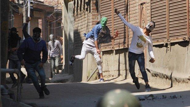 16 doden bij gevechten in India