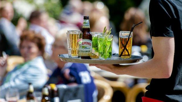 Horeca kijkt uit naar zonnig weekend: 'Het is alle hens aan dek'