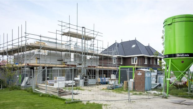 Koopwoede stuwt huizenprijzen flink