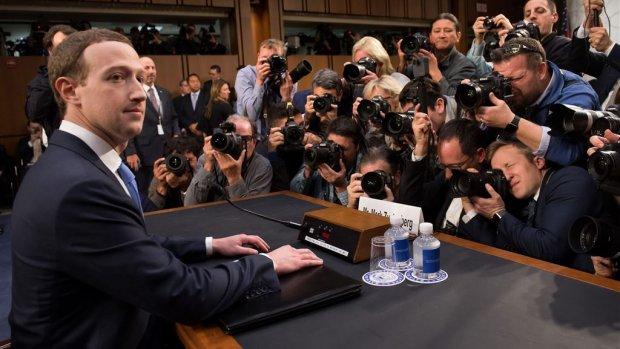 Kijk terug: eerste hoorzitting Zuckerberg door Amerikaans congres