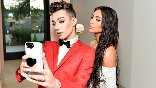 Miljarden voor make-upindustrie met dank aan vloggers en Kardashians